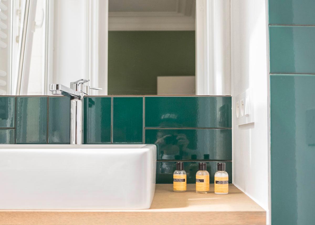 bed and breakfast wok rooms brussels mint juelp bathroom