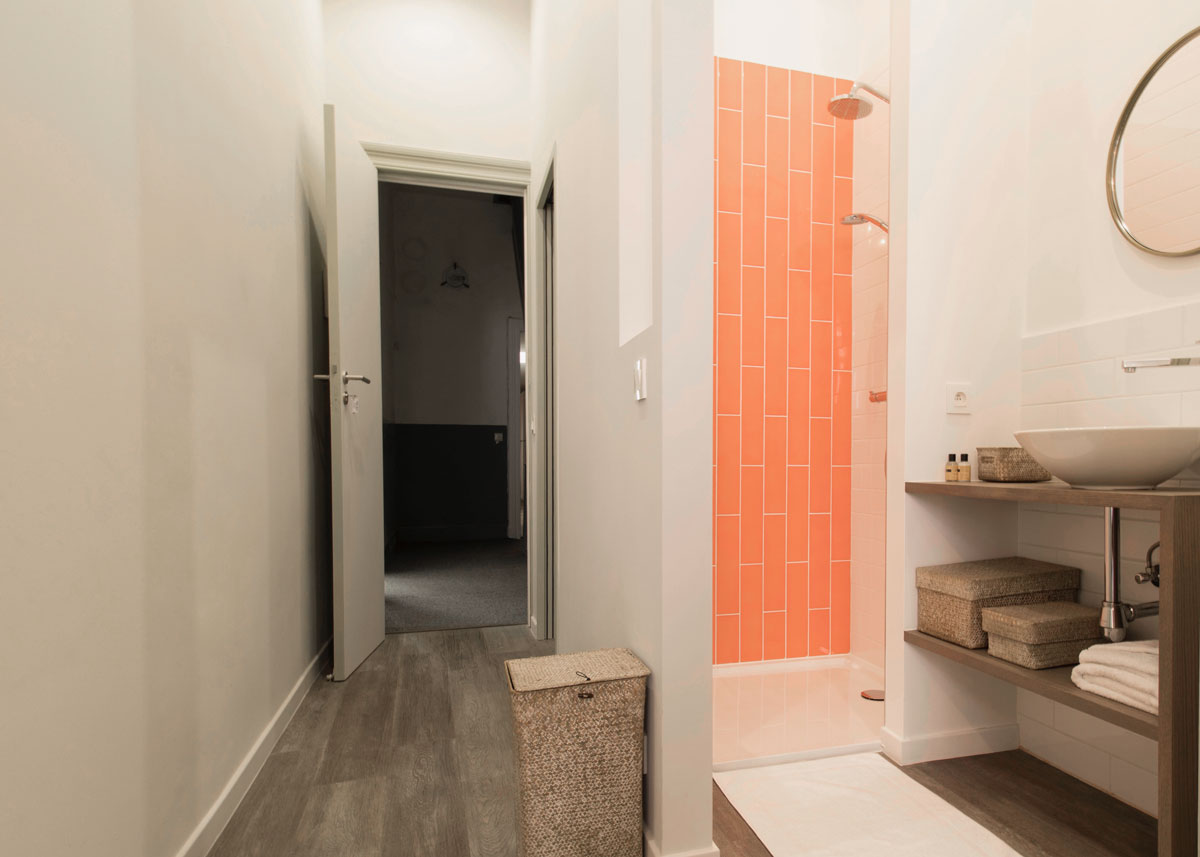 bed and breakfast wok rooms brussels peach bellini bathroom
